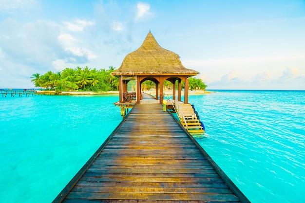 Malediwy oceanu piękne molo wakacje