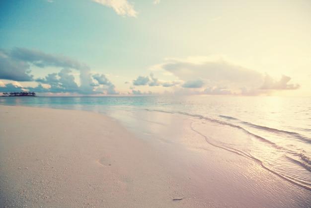 Malediwy plaża?