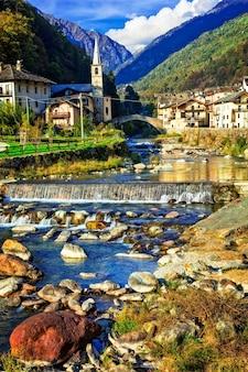 Malownicza alpejska wioska lillianes w dolinie aosty w północnych włoszech