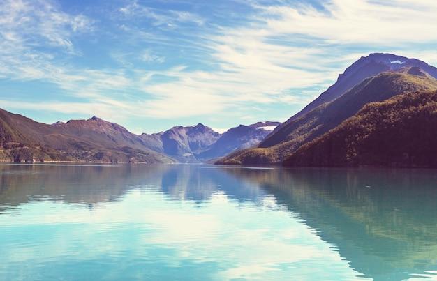 Malownicze krajobrazy północnej norwegii