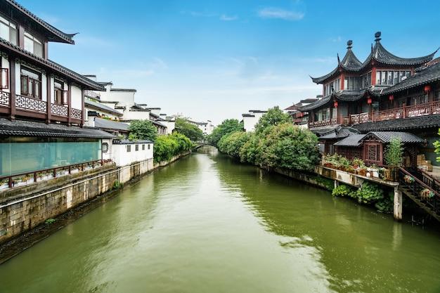 Malownicze miejsce w świątyni konfucjusza w nanjing w chinach