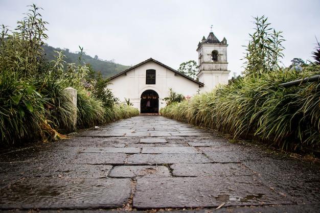 Mały stary kościół w kostaryce