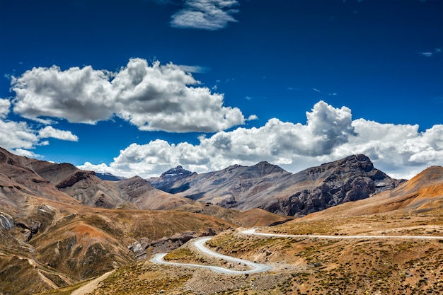 Manali-leh road, ladakh, indie