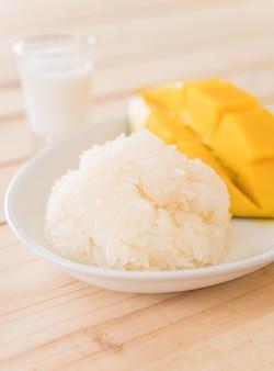 Mango z lepką ryżem