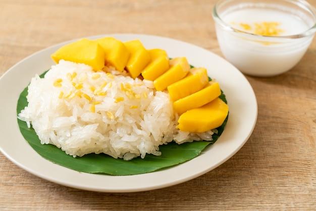 Mango z lepkim ryżem