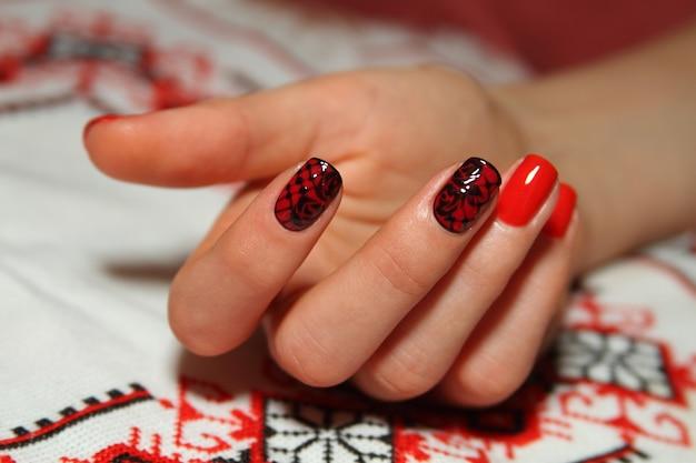Manicure do zdobienia paznokci