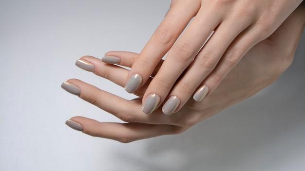 Manicure nago
