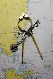 Mapa nawigacyjna i dzielnik