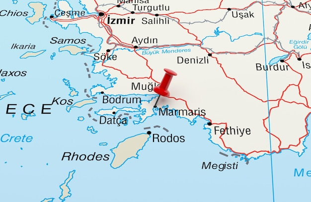 Mapa przedstawiająca marmaris turcja z czerwoną szpilką renderowania 3d