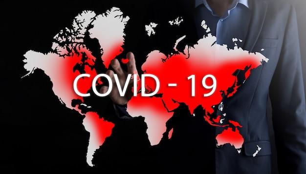 Mapa świata, na której zaznaczone na czerwono obszary są zainfekowane covid 19