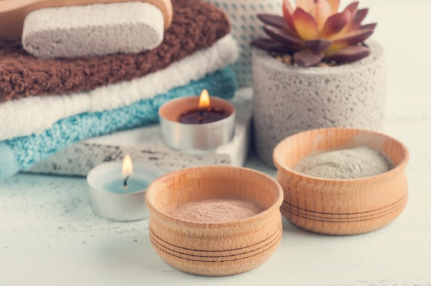 Marokański proszek gliniany i świece