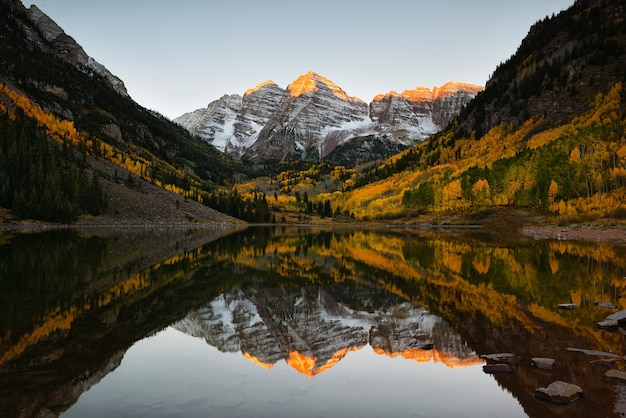 Maroon dzwony szczyt sunrise aspen fall colorado