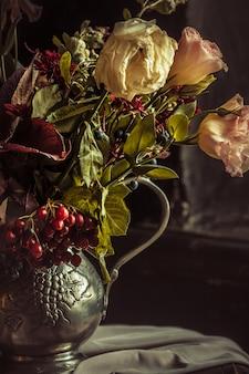 Martwa natura z jesienne kwiaty