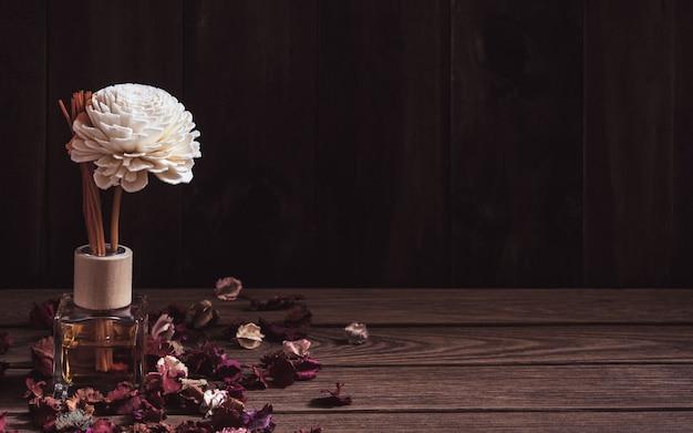 Martwa natura z odświeżacza trzciny aromatic
