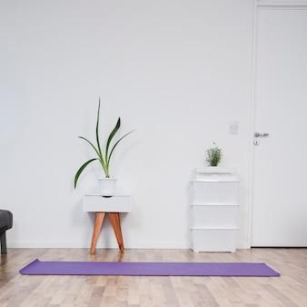 Martwa natura z pokoju jogi