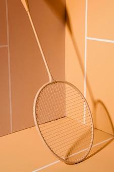 Martwa natura z rakietą do badmintona