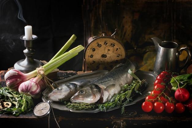 Martwa natura z surową rybą