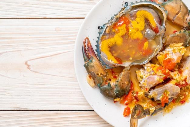 Marynowane jajka kraba w sosie