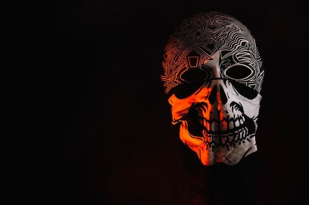 Maska halloween w ozdobnej szmaty