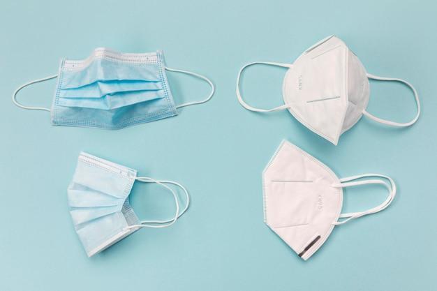 Maski chirurgiczne z widokiem z góry