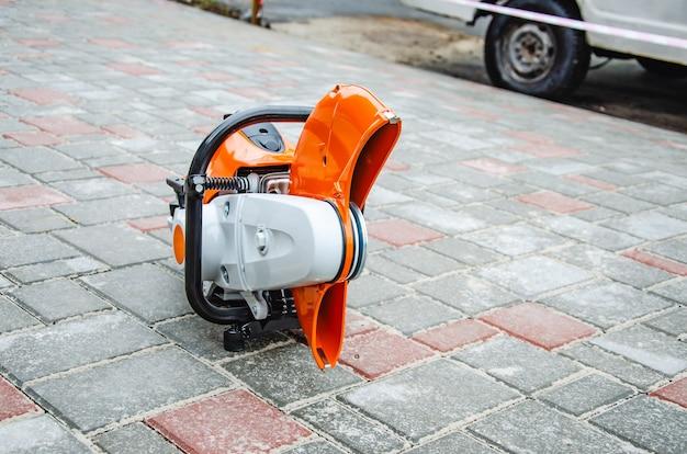 Maszyny do cięcia betonu i ostrze do cięcia na podjeździe