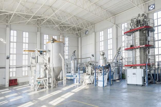 Maszyny warsztatowe do przetwarzania i produkcji granulatów z tworzyw sztucznych