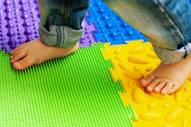 Mata do masażu i ortopedii, dywan dla dzieci. wczesny rozwój, ortopedia