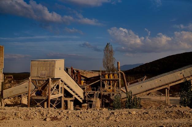 Materiały budowlane maszyny robocze przemysł koparek