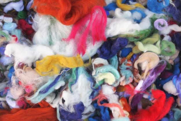 Materiały do filcowania - kolorowe kawałki wełny do filcowania