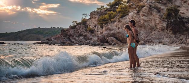 Matka i córka na plaży