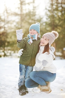 Matka i syn w winter park