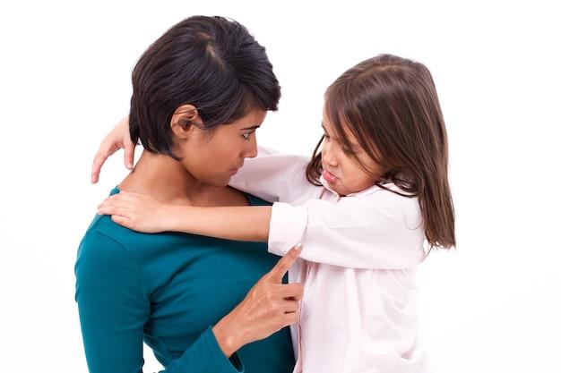 Matka uczy dyscypliny córki