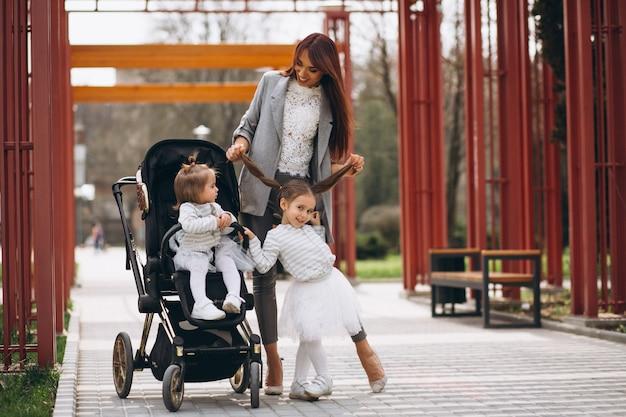 Matka Z Dwiema Córkami Darmowe Zdjęcia
