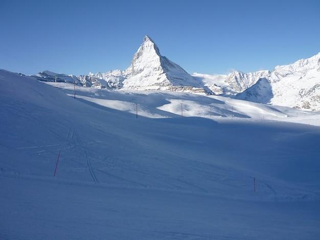 Matterhorn śnieg szwajcaria zermatt