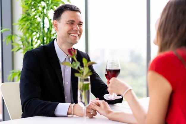 Mąż i żona razem na lunch