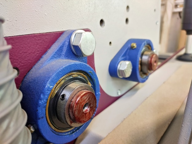 Mechanizmy maszyny do przenoszenia obrazu na tkaninę. łożyska z siedziskiem.