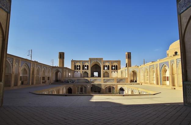 Meczet agha bozorg w kaszanie w iranie