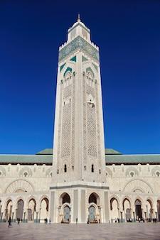Meczet hassana ii w maroku, casablanca. symbol miasta, wieża. miejsce turystyczne