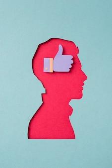 Media społecznościowe martwa natura z kształtem