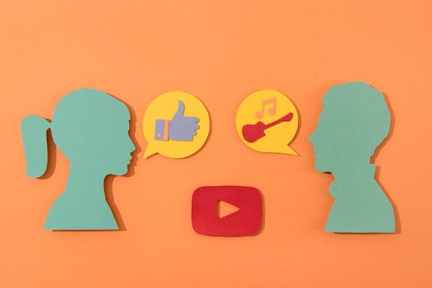 Media społecznościowe martwa natura z logo