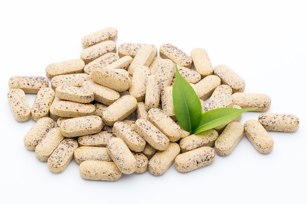 Medycyna alternatywna. kapsułki witaminowe. suplement homeopatyczny.