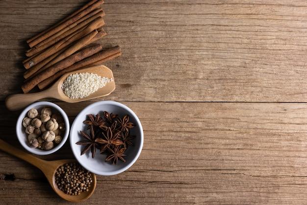 Medycyna alternatywna, witaminy i suplementy z naturalnych ziół