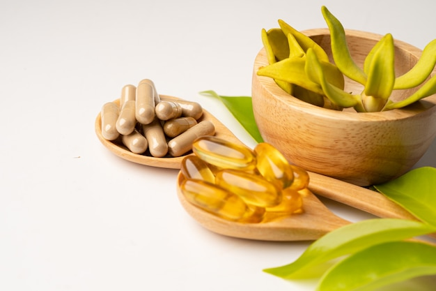 Medycyna alternatywna ziołowa organiczna kapsułka z witaminą e omega 3 z olejem rybim