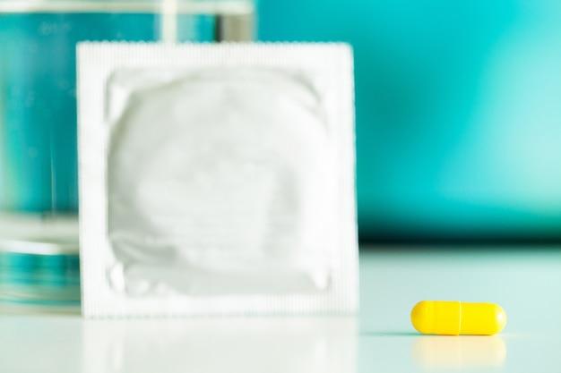 Medyczne tabletki na potencję dla zdrowia seksualnego w kapsułkach.