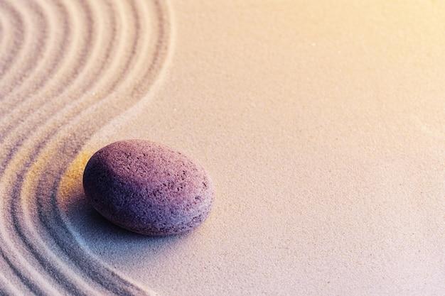 Medytacja ogród zen z kamieniami na piasku