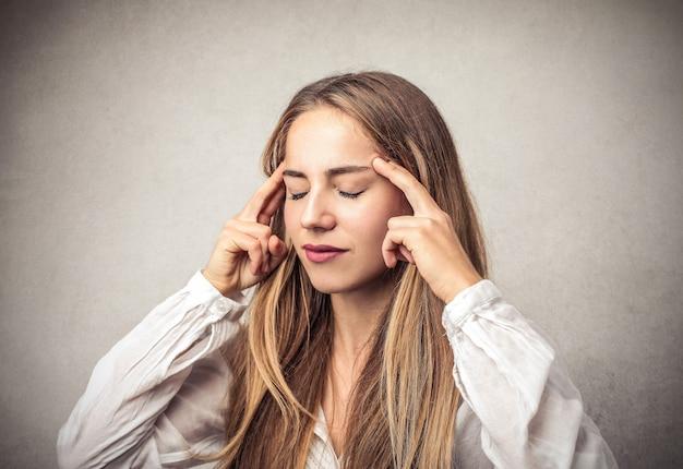 Medytując koncentrując się