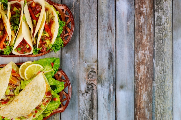 Meksykańskie dania z miękkich tortilli z mąki