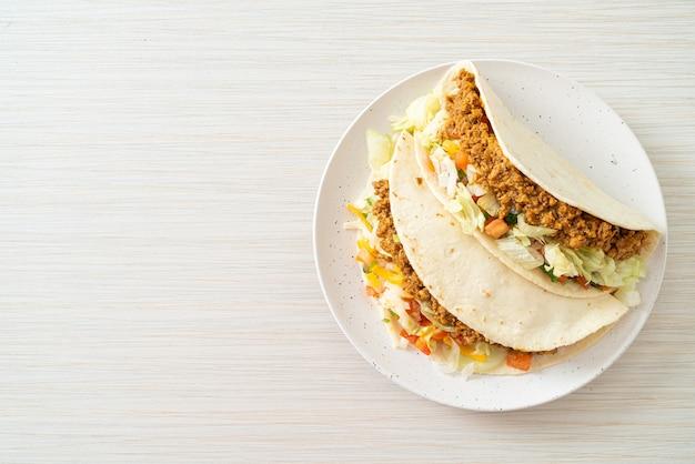 Meksykańskie tacos z mielonym kurczakiem