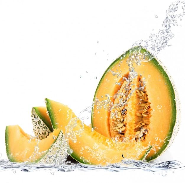Melon spada w wodzie