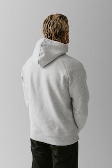 Męska bluza z kapturem, widok z tyłu